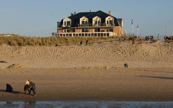 A beach hotel at the north sea