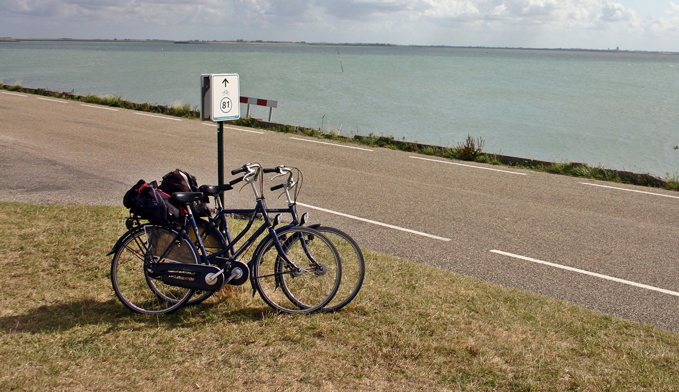 Cycle the Dutch Coastal Route (570 km) - Holland.com