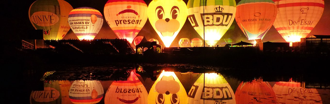 Ballonfiesta Barneveld hot air balloons by night