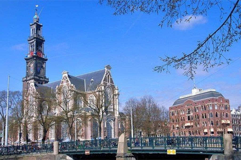 The highest church in amsterdam