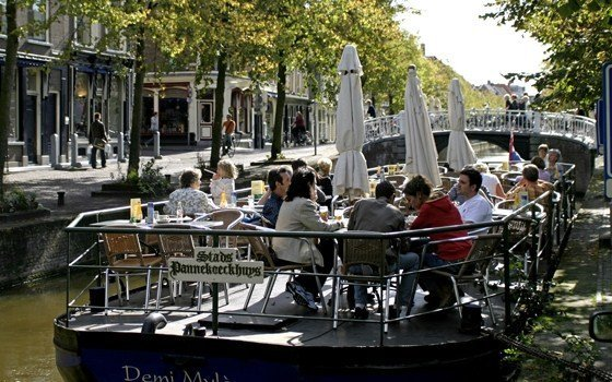 A terraceboat in Delft