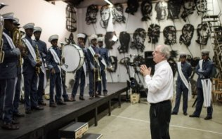 Extensive exhibition of work by William Kentridge at EYE