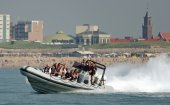 Faire un tour en powerboat à Scheveningen