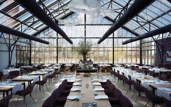 An view of the interior of restaurant de Kas (restaurant the Greenhouse)