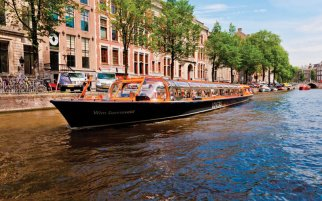 Daytrip to Amsterdam with canal cruise
