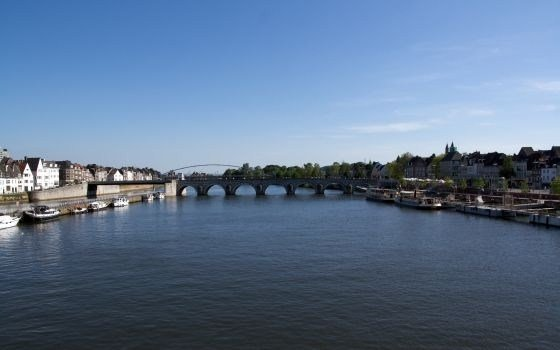 bridge's in maastricht
