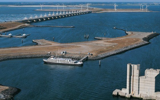 the oosterscheldekering (easterscheld strum surge barrier) part of the Dutch Deltaworks