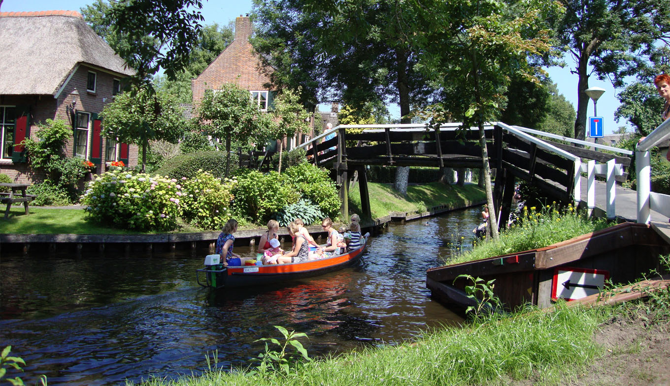 Best Things To Do In Giethoorn Netherlands Hollandcom