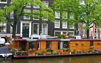 Houseboats in the Amsterdam canals