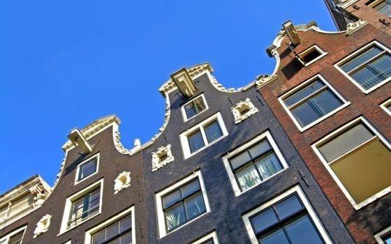 La casa pi stretta di amsterdam non dirmi quanti anni for Piani casa stretta casa
