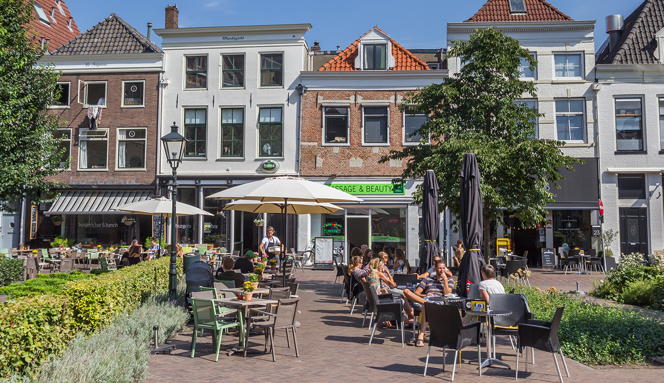 People on the main market square in Zwolle