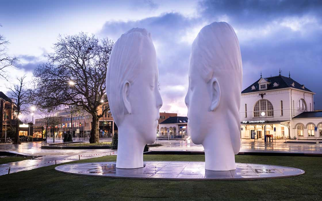 Fountain Love by Jaume Plensa © Wietze Landman