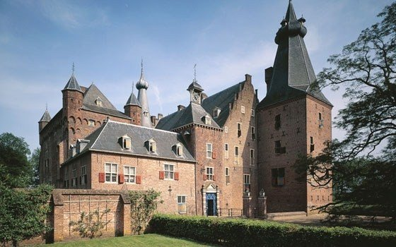 Front view of castle Doorwerth