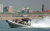 Powerboat varen in Scheveningen