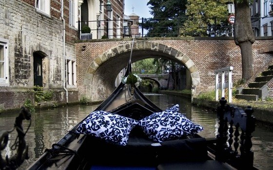 A tour in a gondolier in the canals of Utrecht