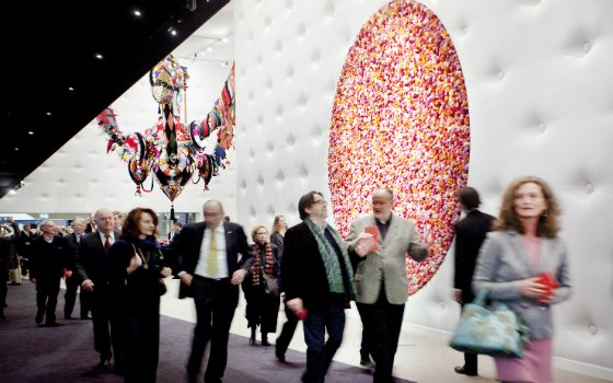 Visitors enter the fair Tefaf copyright Loraine Bodewes