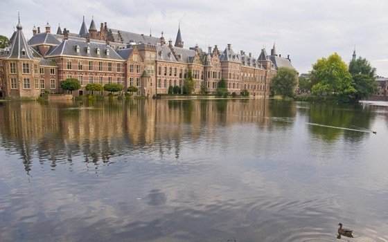 Hofvijver with the binnenhof in the background