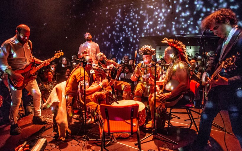 Yonatan Gat & The Eastern Medicine Singers live at Le Guess Who?