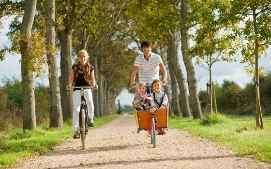 A cycling family
