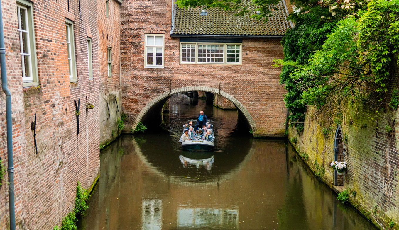 Binnendieze Boat Tour Hollandcom