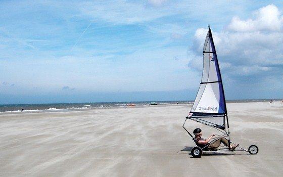 http://holland.com/upload_mm/f/7/1/792_fullimage_beach%20fun%20blokarten.jpg_560x350.jpg